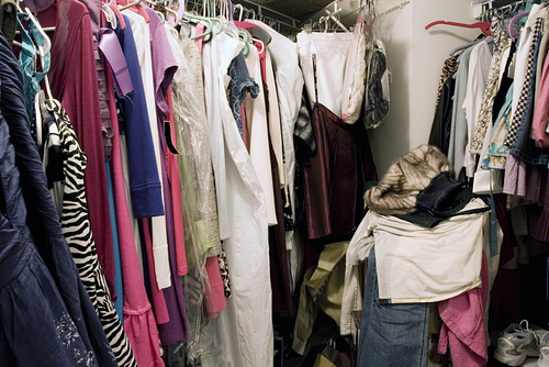 Common Mistakes That Cause Closet Clutter - Perfect Fit Closets - Custom Closets Calgary